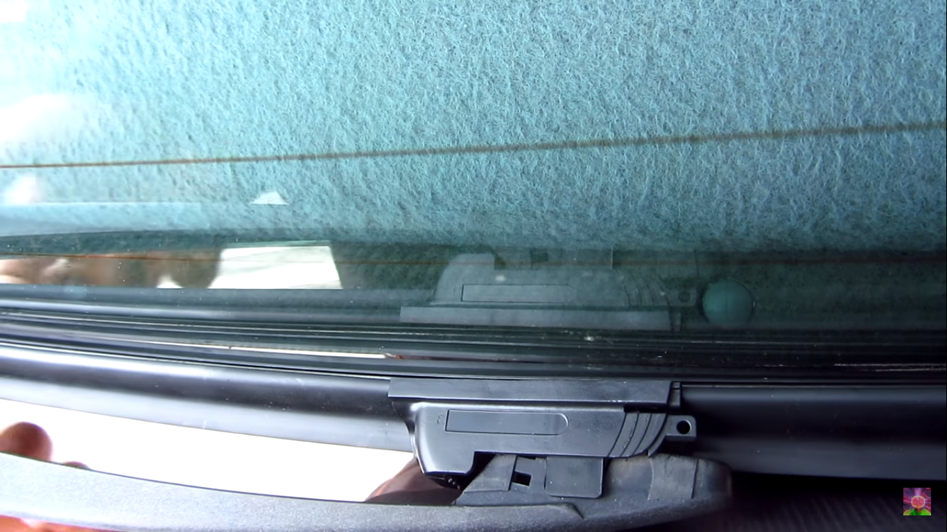 Windshield Wiper Not Making Contact: How to Get Rid of this Problem?